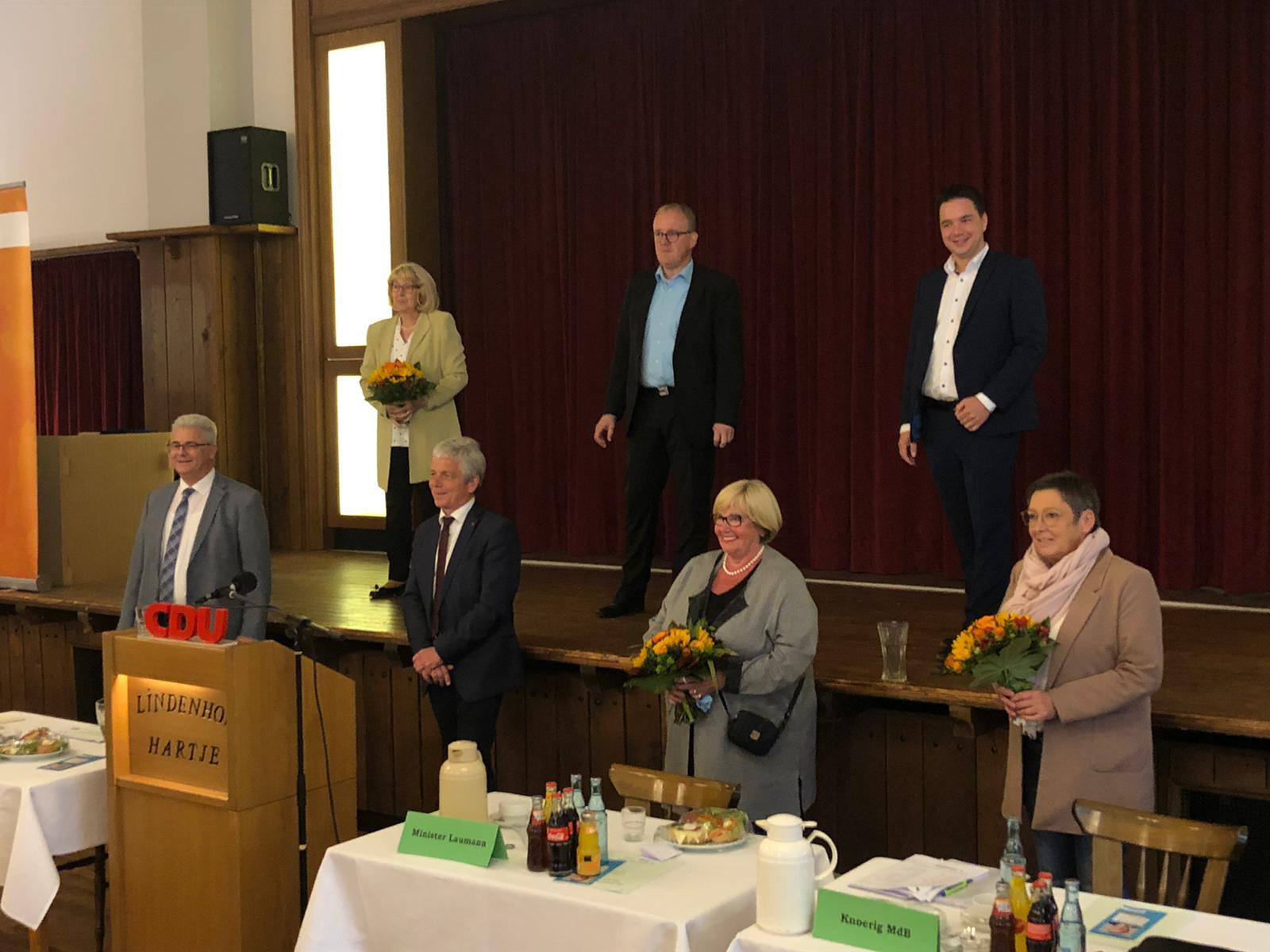 von unterer Reihe links nach rechts: A. Knoerig, Dr. F. Schmädeke, H. Hörig-Bergbauer, D. Meyer